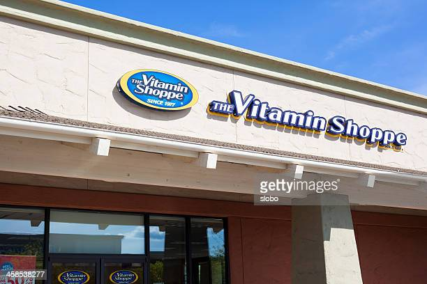 the vitamin shoppe store - the medicine shoppe stock pictures, royalty-free photos & images