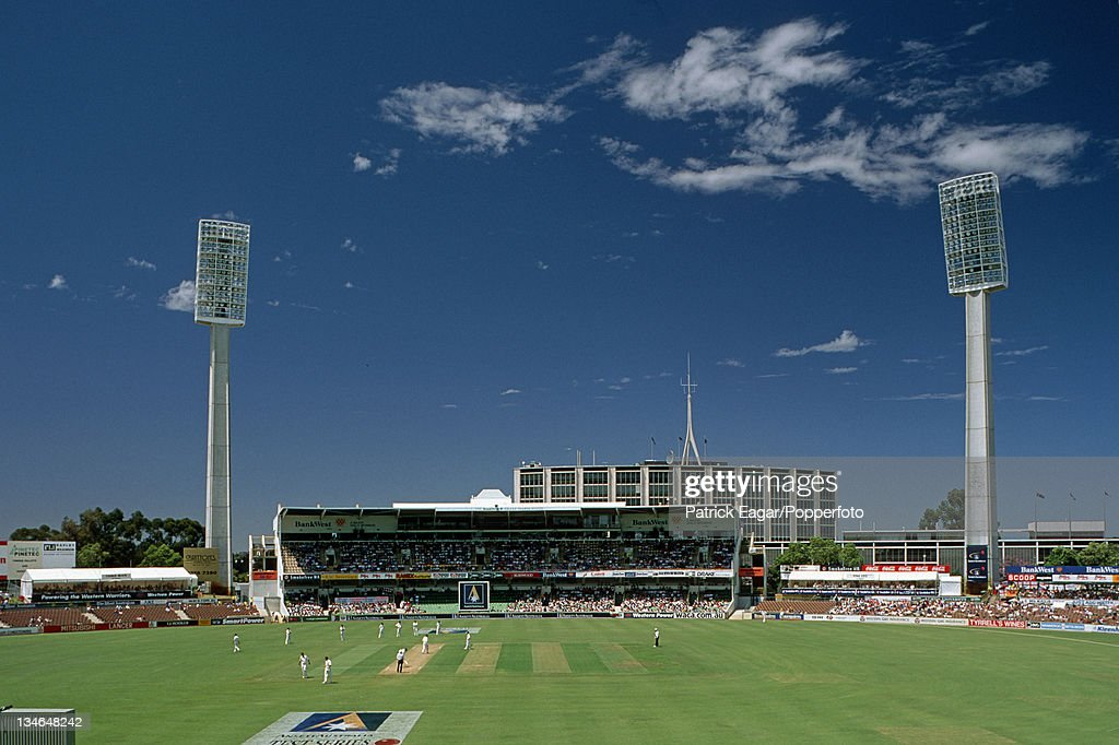 Australia v England, 2nd Test, Perth, Nov 98 : News Photo