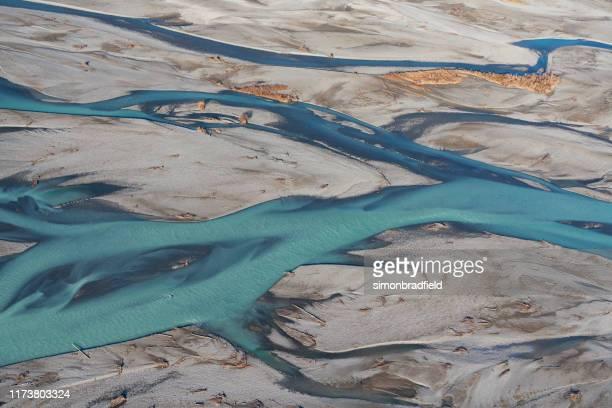 der waimakariri river, neuseeland - christchurch canterbury region in neuseeland stock-fotos und bilder