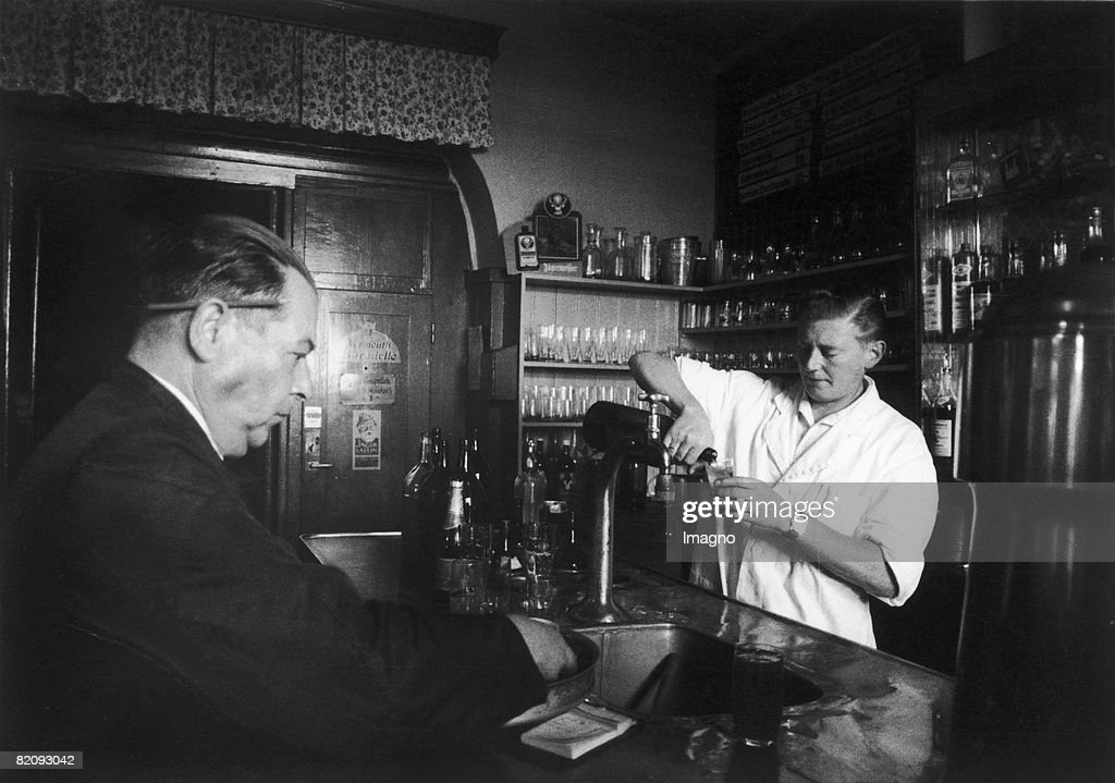The Waiter And The Innkeeper Of The Restaurant Zur Flucht Nach News Photo Getty Images