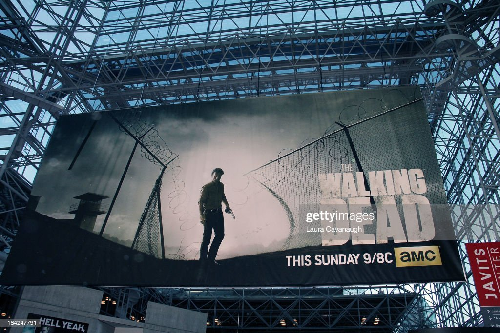 """""""The Walking Dead"""" Panel At New York Comic Con : News Photo"""
