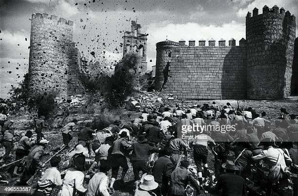 The wall of Avila is reconstructed and then blown up with explosives during the battle scene in the film 'The Pride and the Passion' 1956