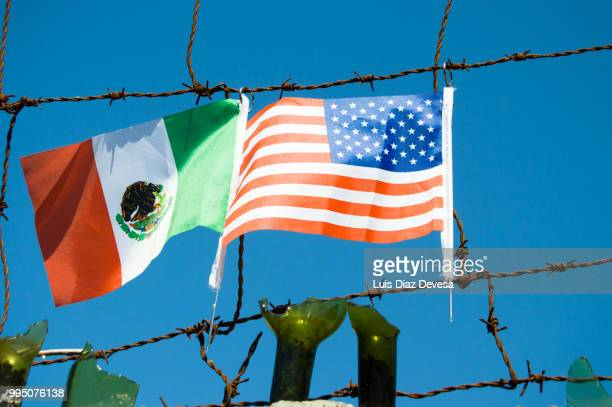 the wall of shame - national border stock pictures, royalty-free photos & images