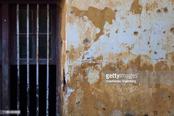 the wall, the streets of fort kochi, india - argenberg stock pictures, royalty-free photos & images
