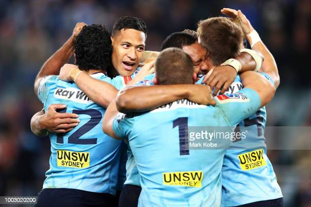 The Waratahs celebrates victory during the Super Rugby Qualifying match between the Waratahs and the Highlanders at Allianz Stadium on July 21 2018...