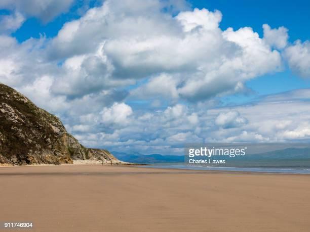 the warren beach near abersoch:wales coast path on the lleyn peninsula - gwynedd stock photos and pictures