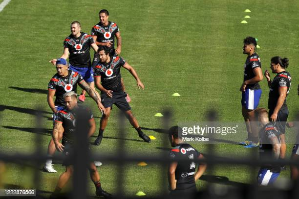 The Warriors players train in isolation during a New Zealand Warriors NRL training session at Scully Park on May 05, 2020 in Tamworth, Australia.