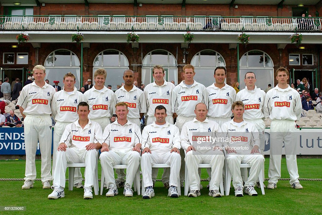 The Warwickshire team group before the Benson and Hedges Semi Final between Lancashire and Warwickshire at Old Trafford, Manchester, 7th June 2002. Back row, left to right: Dominic Ostler, Ian Bell, Trevor Penney, Mohamed Sheikh, Alan Richardson, Shaun Pollock, Neil Carter, Tony Frost, James Troughton; front row: Ashley Giles, Dougie Brown, Mike Powell (captain), Neil Smith, Nick Knight.