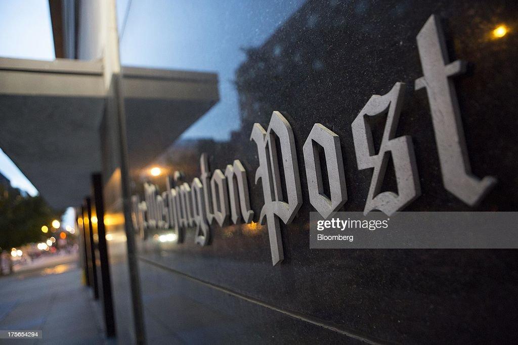 Amazon's Jeff Bezos To Buy Washington Post for $250 Million : News Photo