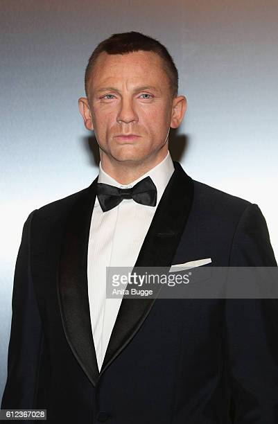 The wax figure of Daniel Craig as James Bond is unveiled at Madame Tussauds on October 4 2016 in Berlin Germany Madame Tussauds in Berlin is...