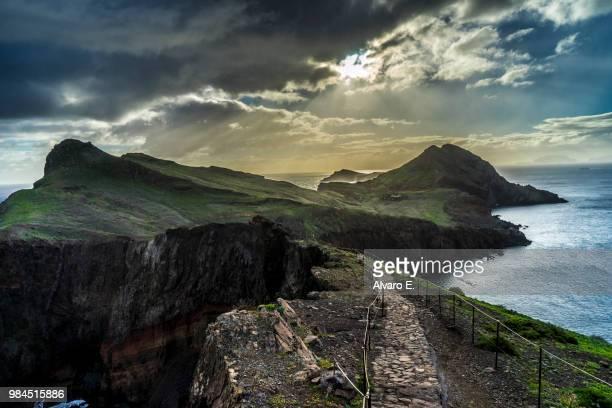 the way to the sun - madeira fotografías e imágenes de stock