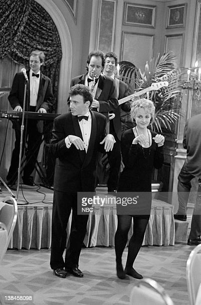 YOU The Wedding Affair Episode 15 Aired Pictured Paul Reiser as Paul Buchman Helen Hunt as Jamie Stemple Buchman John Pankow as Ira Buchman
