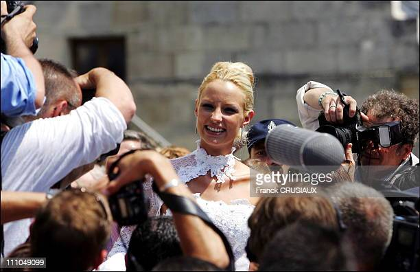 The wedding of Elodie Gossuin and Bertrand Lacherie Exit of the town hall Trosly Breuil Elodie Gossuin in France on July 01st 2006