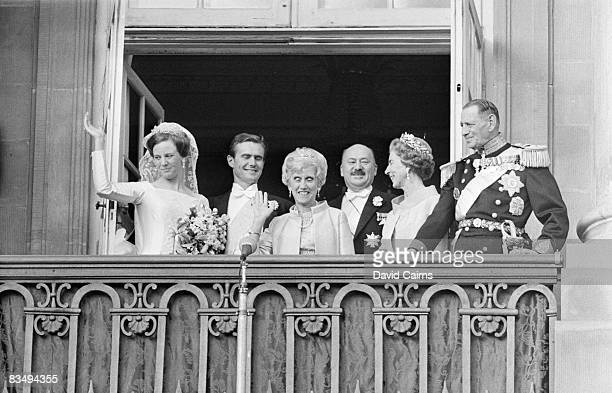 The wedding of Princess Margrethe to French diplomat Henri de Laborde de Monpezat in Copenhagen 10th June 1967 With them on the balcony are the...