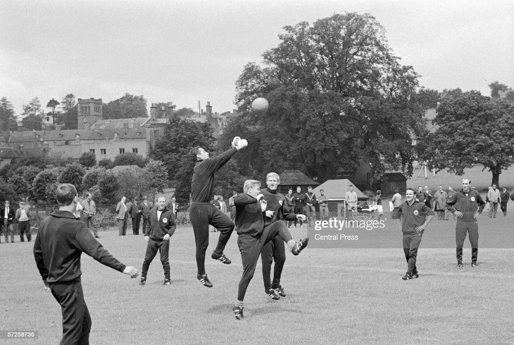West Germany Training : News Photo