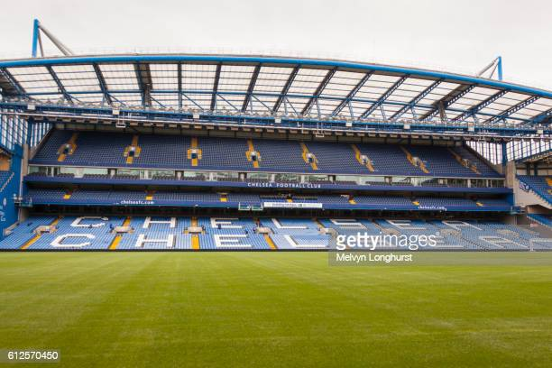 the west stand, chelsea football club, stamford bridge, chelsea, london, england - club football stockfoto's en -beelden