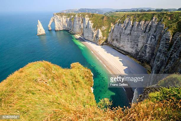 the white cliffs of etretat, the alabaster coast - frans sellies stockfoto's en -beelden
