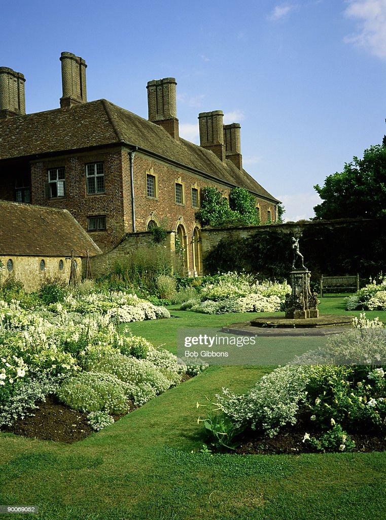 the white garden, barrington court national trust, somerset : Foto de stock