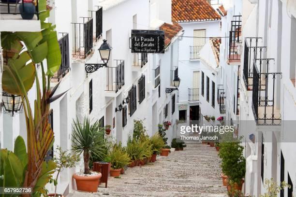 the white town of frigiliana, andalusia, spain - pueblo fotografías e imágenes de stock