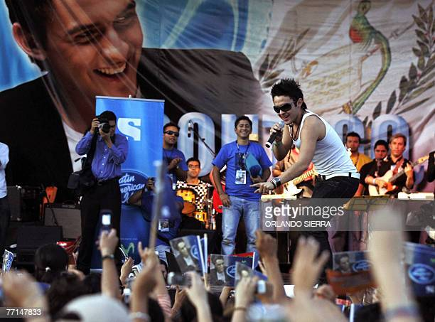 The winner of the TV contest Latin American Idol Guatemalan pop singer Carlos Pena performs at the Constitution square in Guatemala City on October...