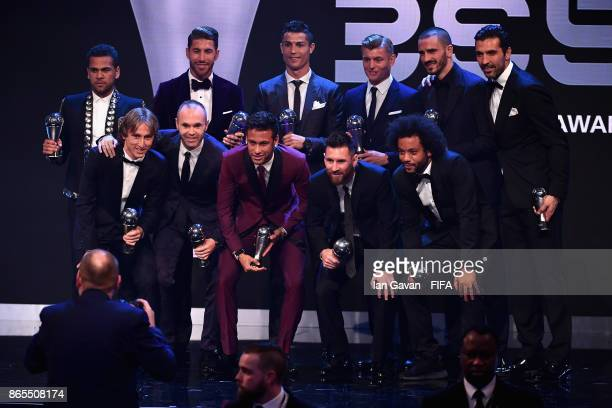 The winners of The FIFA Team of The Year award pose for photos with Idris Elba during The Best FIFA Football Awards at The London Palladium on...