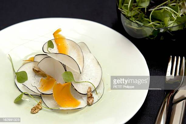 The Winners Of The Fooding Prize 2001 And Their Culinary Specialities Sélection de plats 'fooding' des lauréats 2001 'carpaccio de radis noirs à la...