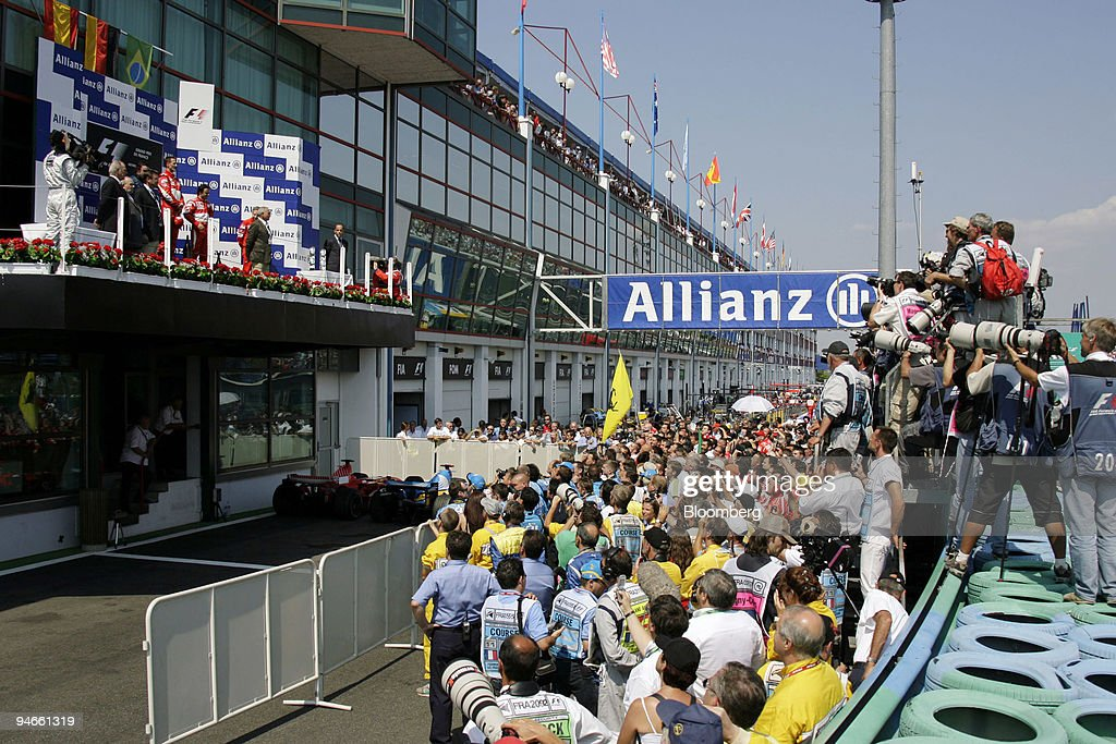 The winners podium is seen at the Formula 1 GP in Magny Cour : News Photo