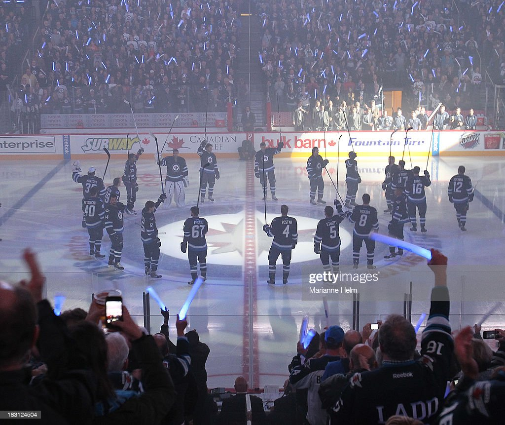 Los Angeles Kings v Winnipeg Jets : News Photo