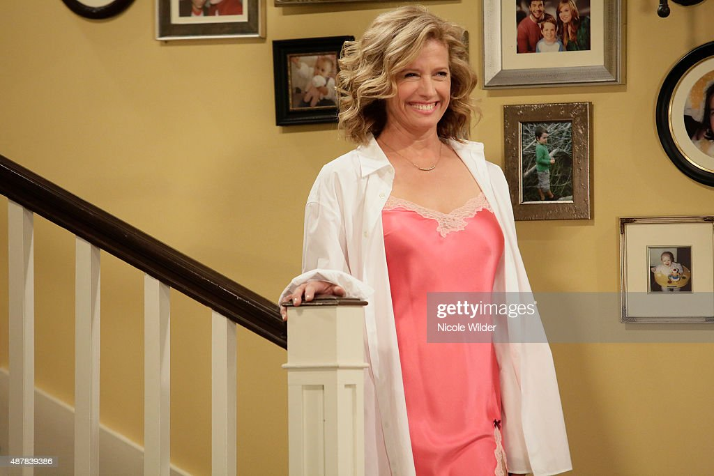 People: NANCY TRAVIS. STANDING u0027The Wolf Returnsu0027 Mike has returned from  being on a fantastic twomonth road. u0027