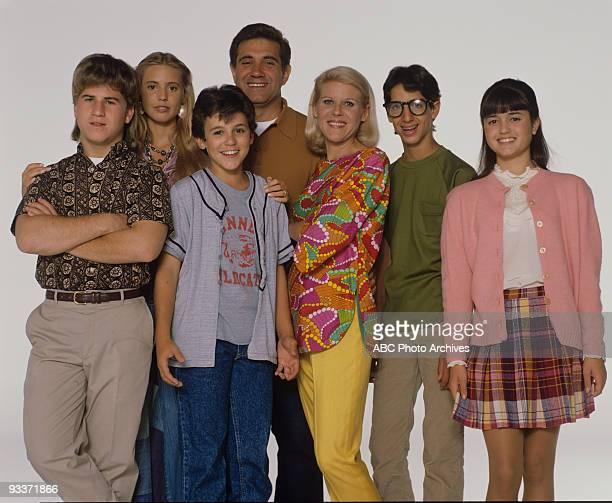 "The Wonder Years - ""Gallery"" 8/90 Jason Hervey, Olivia d'Abo, Fred Savage, Dan Lauria, Alley Mills, Josh Saviano, Danica McKellar"