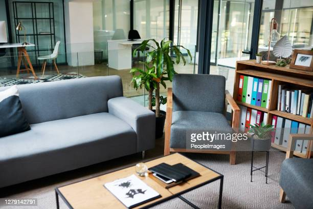 the workplace that puts your wellness first - psychiatrist's couch stock pictures, royalty-free photos & images