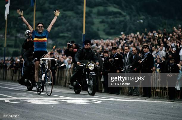 The World Championship Of Cycling On Road In Sallanches. Sallanches - 6 septembre 1964 - Lors du Championnat du Monde de cyclisme sur route, le...