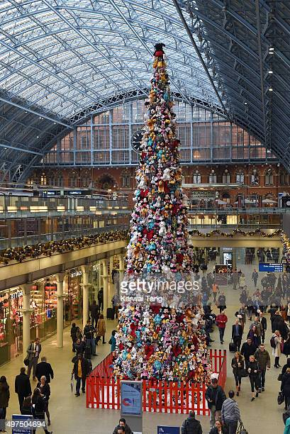 the worlds biggest disney junior soft toy christmas tree which has been created using 2000 soft - Biggest Christmas Tree In The World