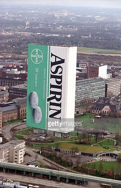 The World's Biggest Tube of Aspirin for Bayer's 100th Anniversary On 1999 In Germany