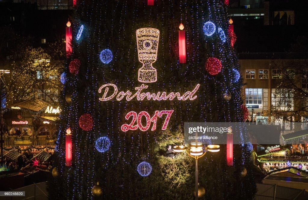 dortmund christmas market news photo - Largest Christmas Tree