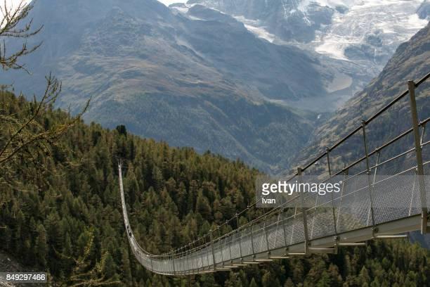 the world's longest bridge, charles kuonen suspension bridge,switzerland - hängebrücke stock-fotos und bilder
