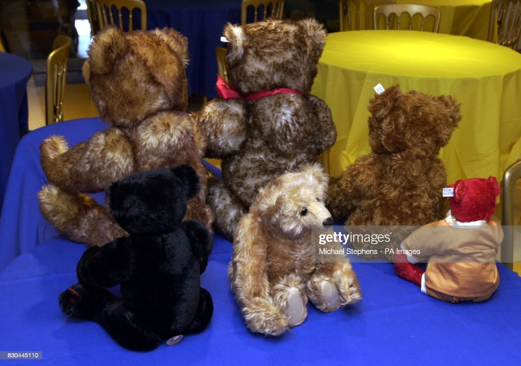 Dating steiff bears