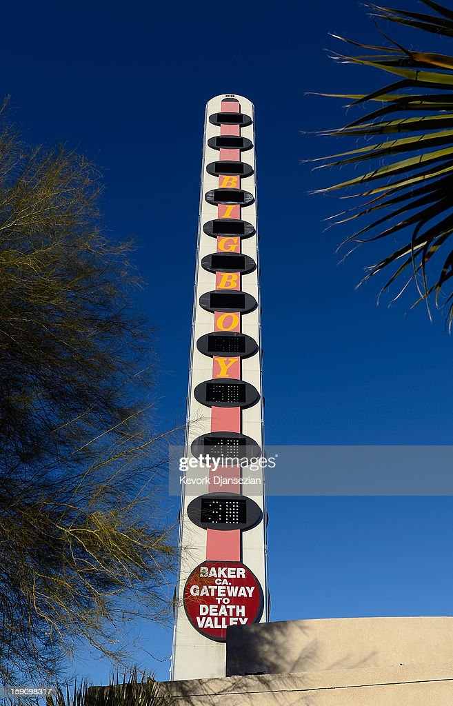 The world's tallest thermometer is displayed on January 7, 2013 in Baker, California. The 134-foot thermometer billed as the world's tallest thermometer has been put up for sale with an asking price of $1.75 million.