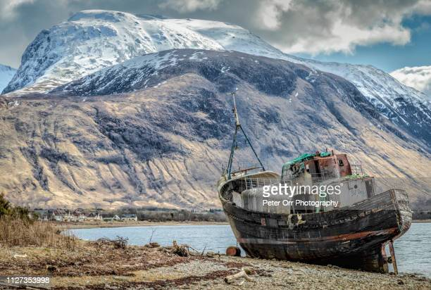 the wreck of the mv dayspring at corpach - grampian scotland stock pictures, royalty-free photos & images