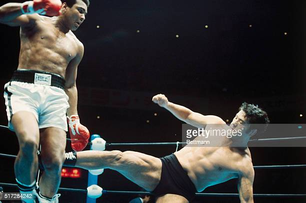 The WrestlingBoxing Exhibition Fight between Muhammad Ali and Japanese wrestler Antonio Inoki Ali and Inoki fought 15rounds ending in a draw