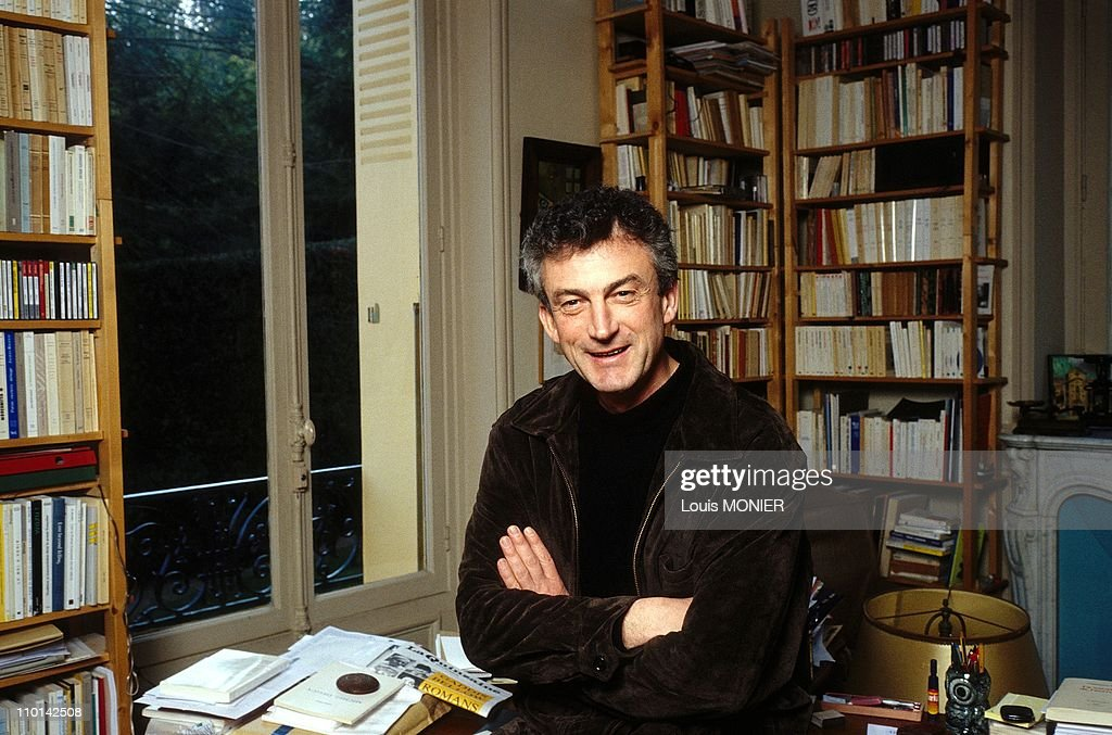 The writer Jean-Michel Maulpoix in France on February 05, 1998. : News Photo