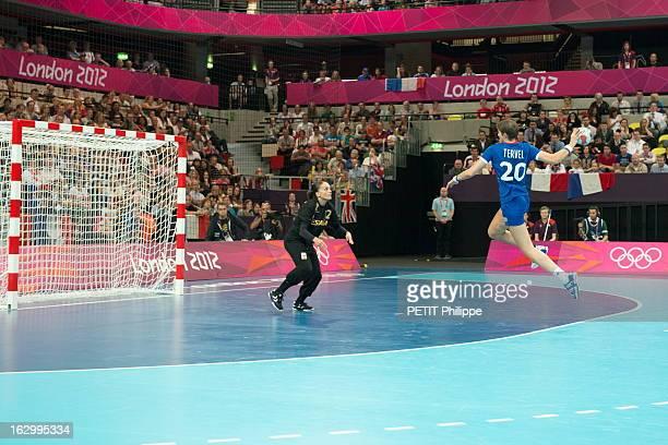 The Xxxth Summer Olympic Games In London 2012 Handball JO de Londres 2012 lundi 30 juillet Match de handball féminin entre la France et l'Espagne...