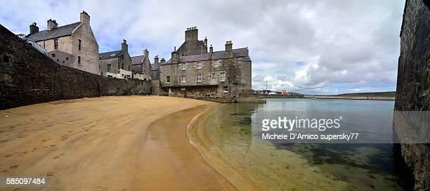 the yellow beach. - isole shetland foto e immagini stock