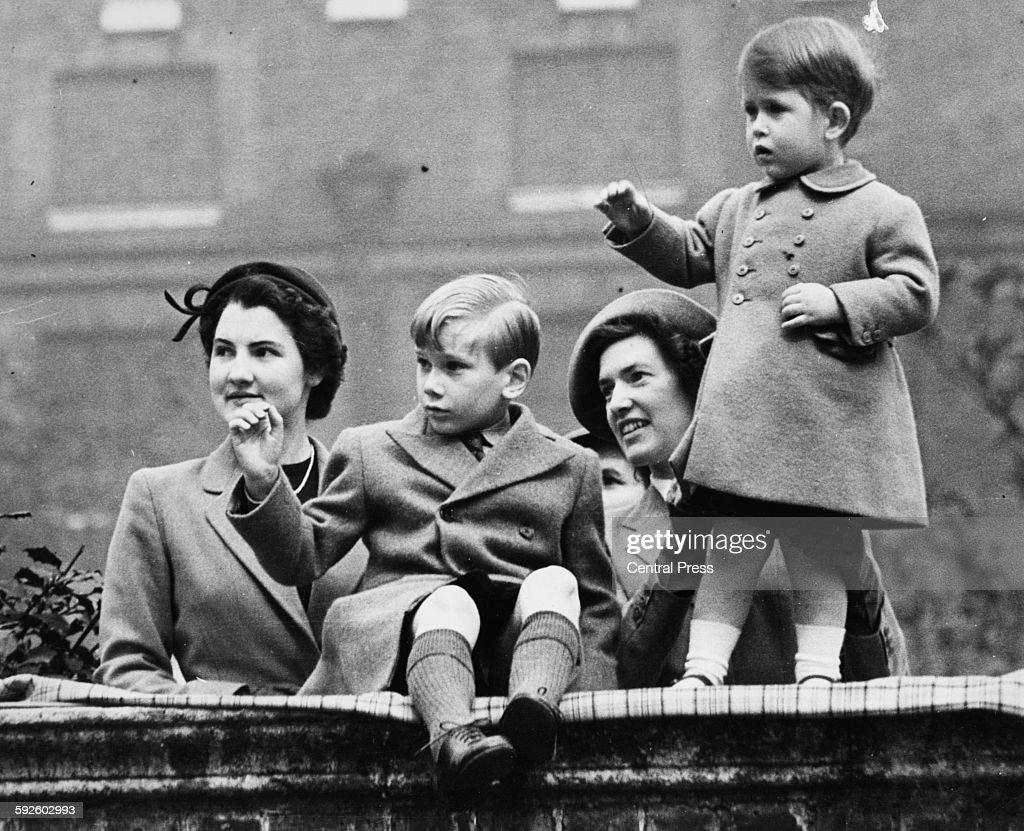 Prince Charles And Prince Richard : Fotografía de noticias