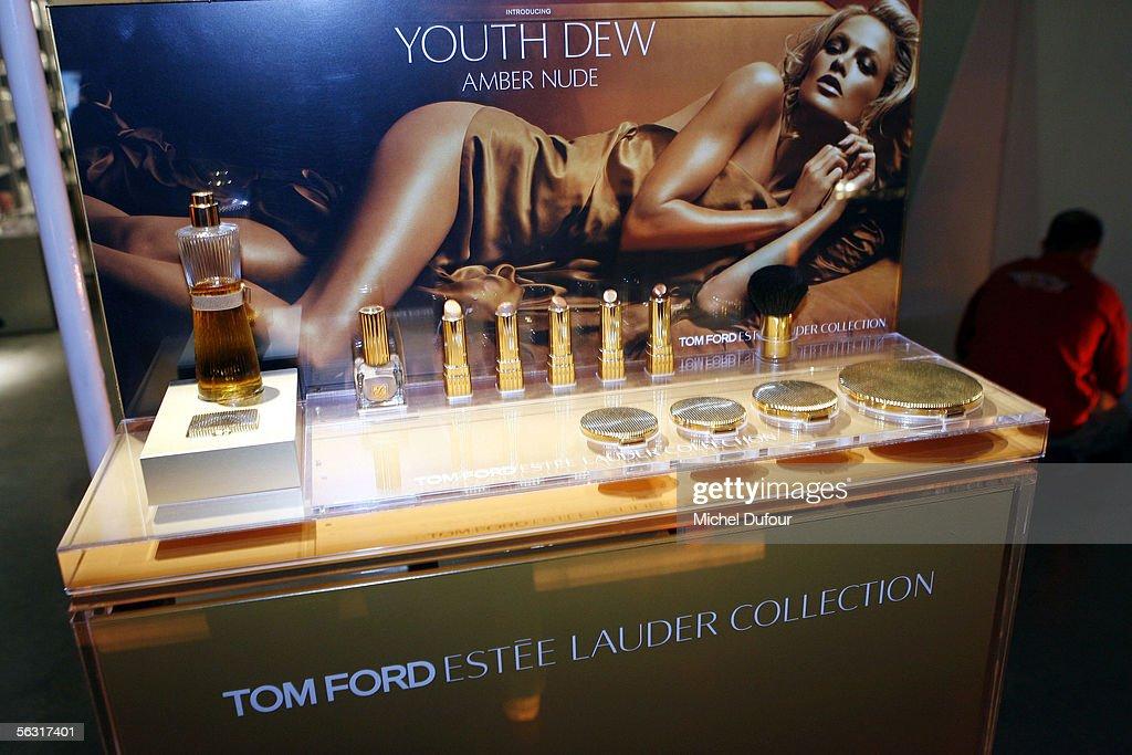 Estee Lauder's Youth Dew Launch In Paris : News Photo