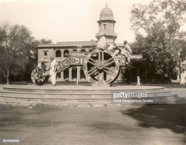 The Zamzama Great Gun at Lahore Punjab This great cannon made famous at the start of Rudyard Kipling's classic 'Kim' was brought to its present site...