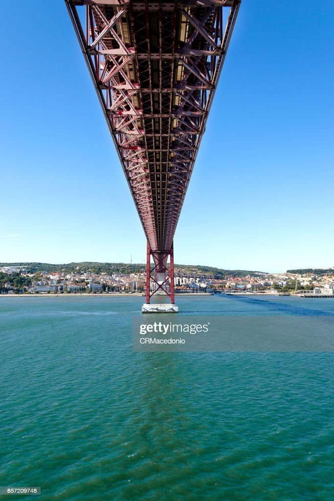 The 25 de Abril Bridge (Ponte 25 de Abril) : Stock Photo