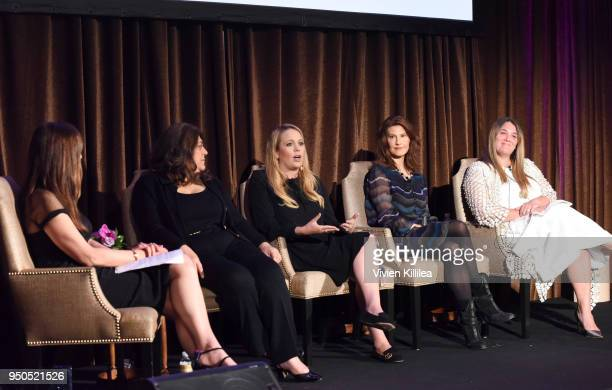 Thea Andrew Morgan Hakimi Shannon Mattingly Nathanson Cara Kleinhaut and Alison Brettschneider speak at Visionary Women Presents The New Normal How...