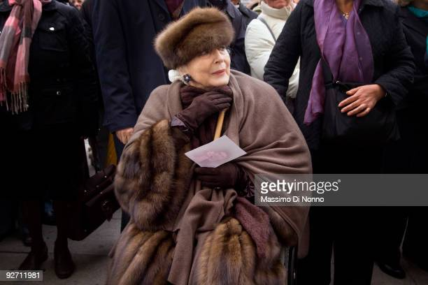 Theater actress Valentina Cortese attends the funeral service of Italian Poetess Alda Merini at the Milan Cathedral on November 4 2009 in Milan Italy...