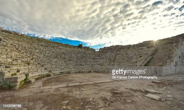 theater of ancient greek city of segesta in sicily, italy, magna graecia civilization - antica roma foto e immagini stock